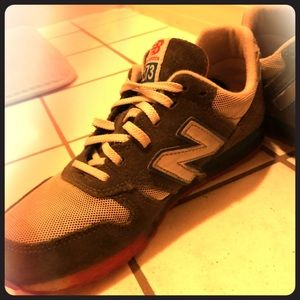 Women's NB 373 sneakers